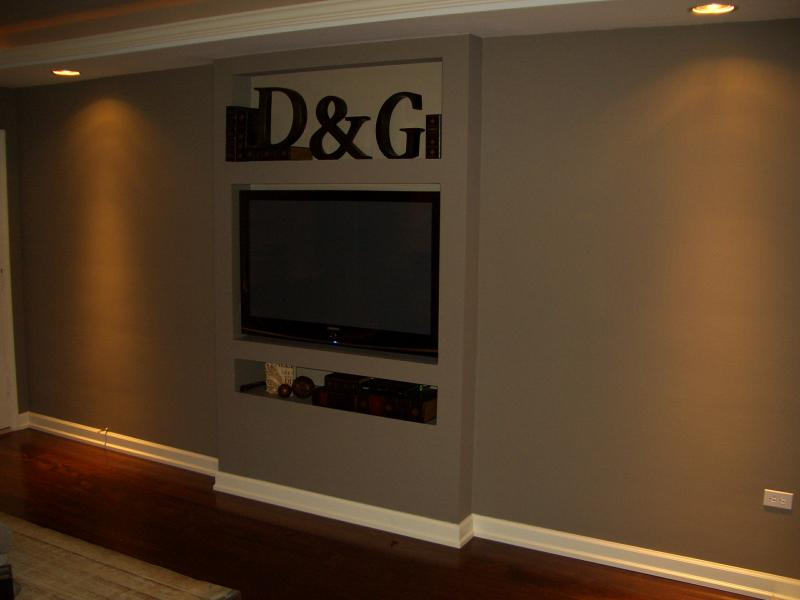 SLEEK PLASMA TV WALL BUILDOUT